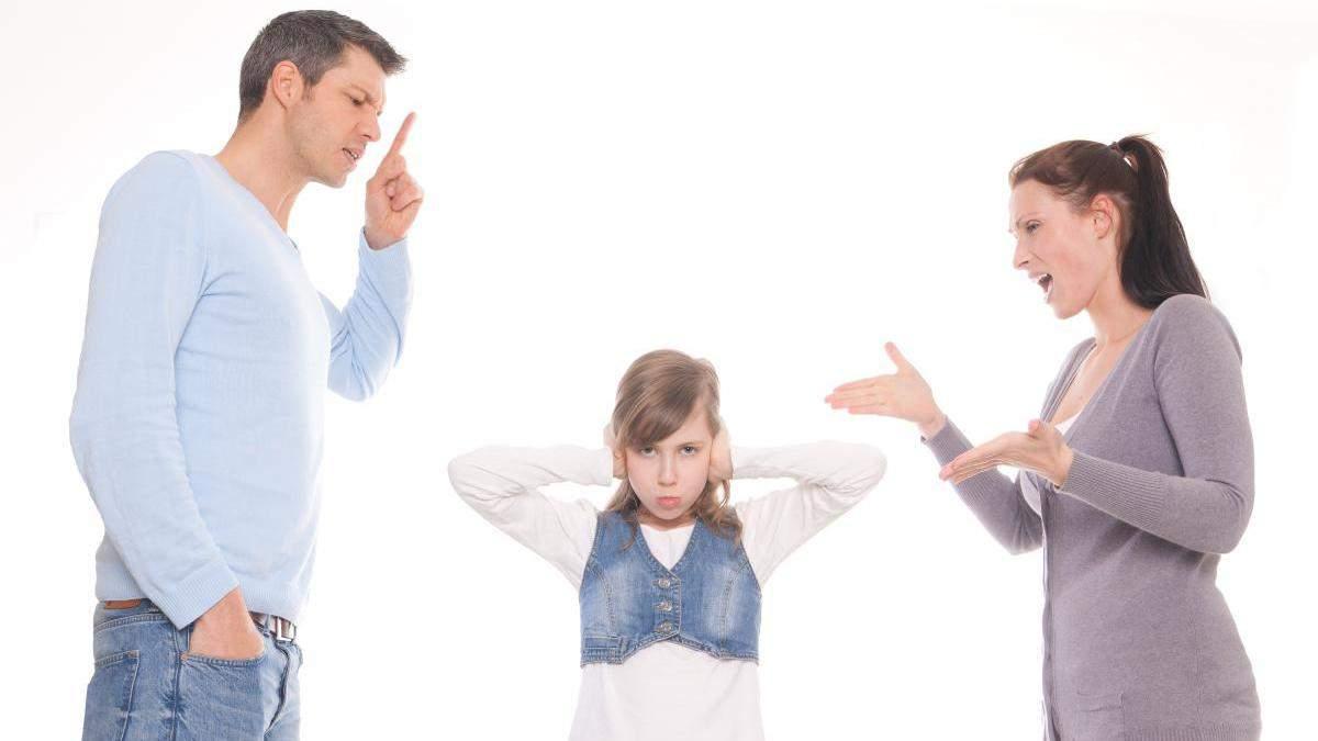 Почему родители кричат на детей: специалисты назвали две основные причины