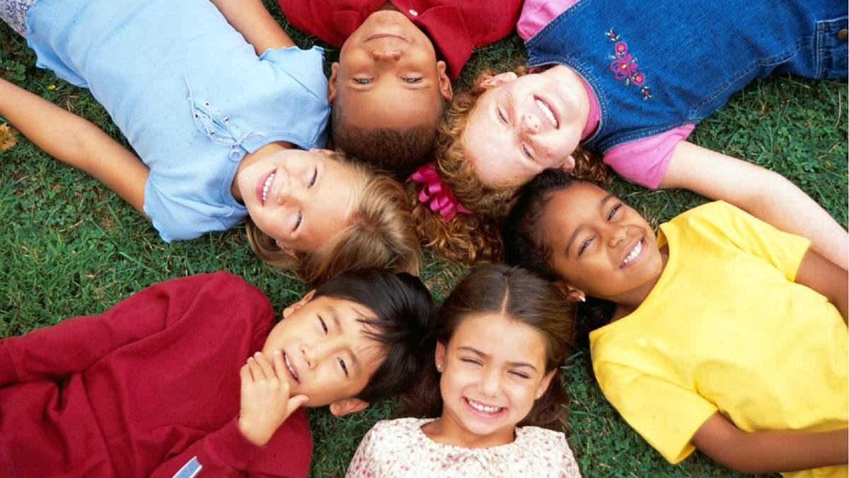 Как воспитывают детей в разных странах мира
