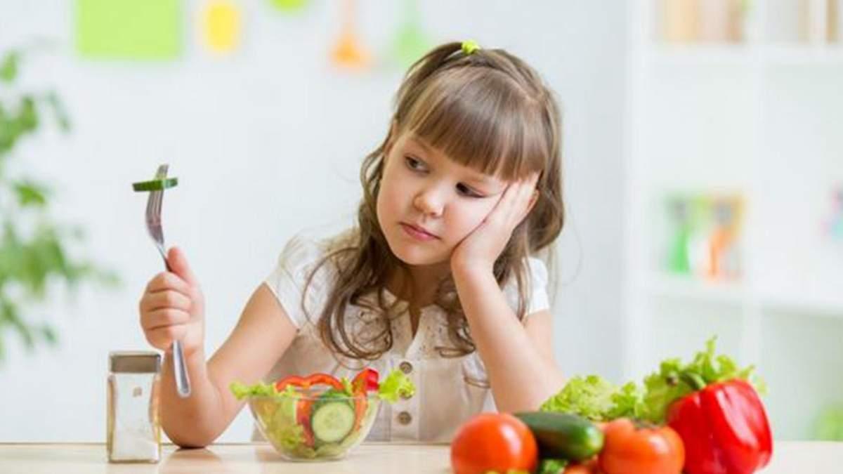 Почему нельзя воспитывать детей вегетарианцами: ответ специалиста