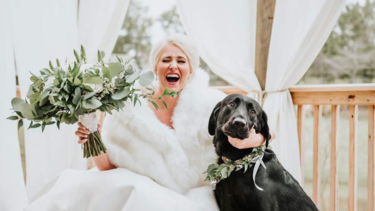 Невеста устроила свадебную фотосессию с собакой
