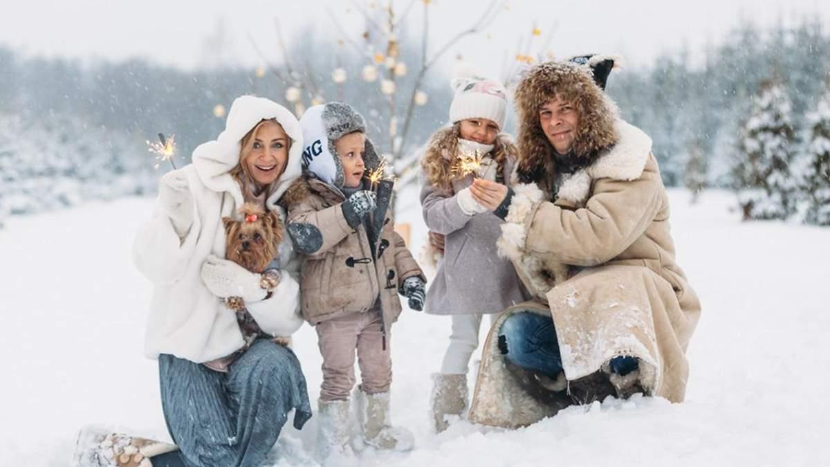 Зимова сімейна фотосесія в студії, на вулиці – ідеї для зйомки