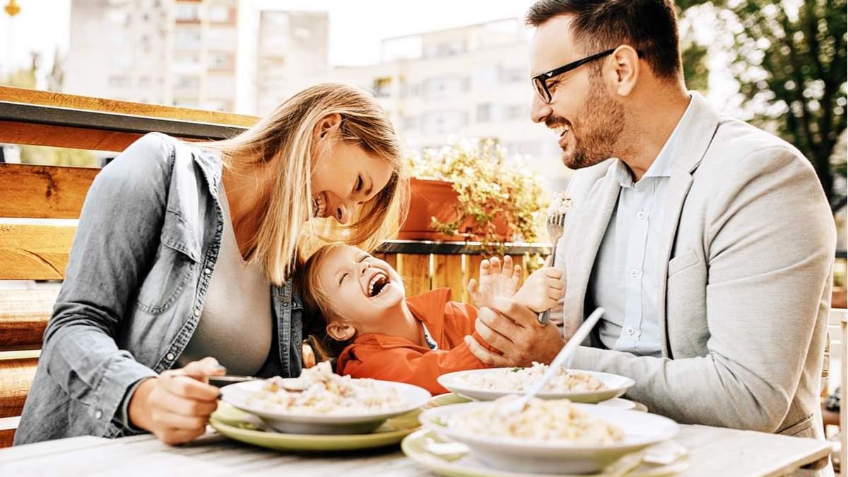 Люди счастливы, когда проводят больше времени с семьей: исследование