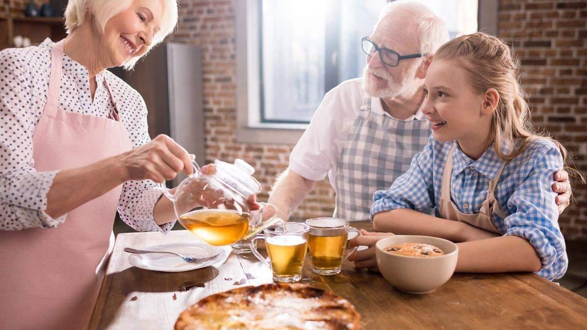 15 вопросов, которые вы должны поставить своим бабушке и дедушке