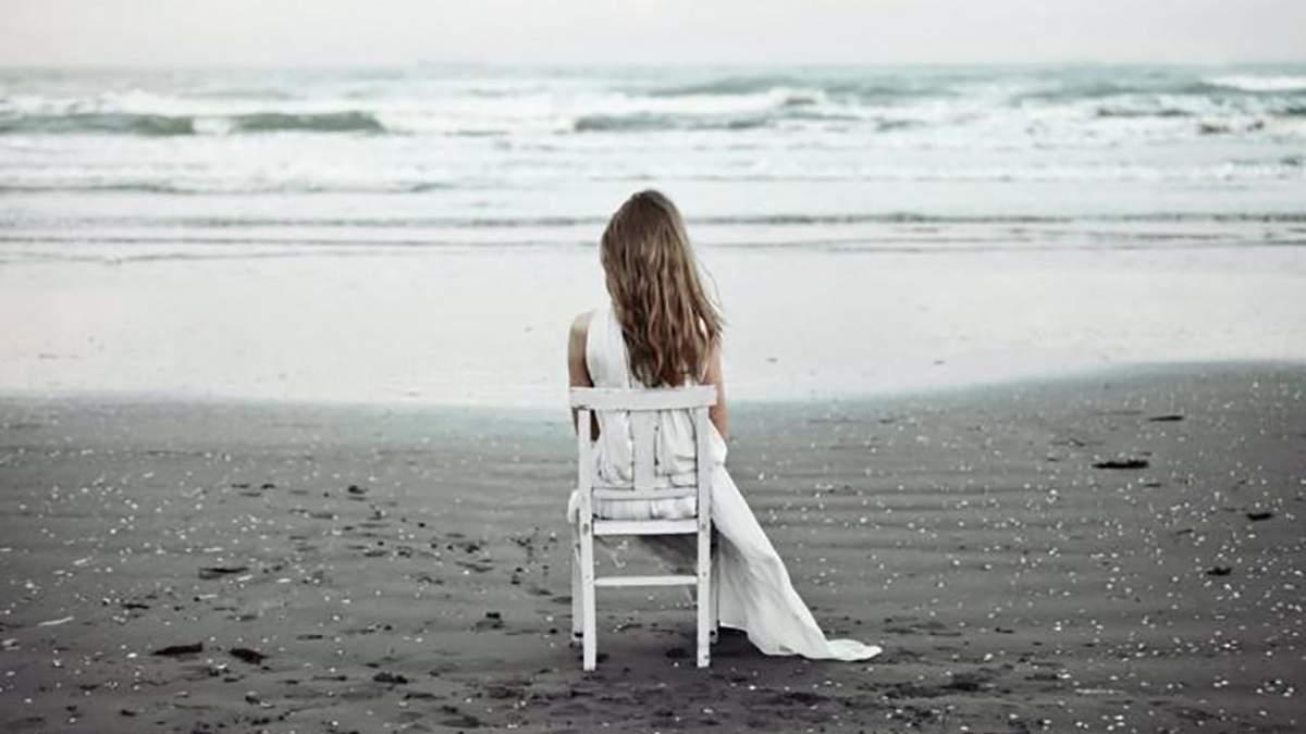 3 причины, почему вы чувствуете себя одинокими в отношениях: что делать