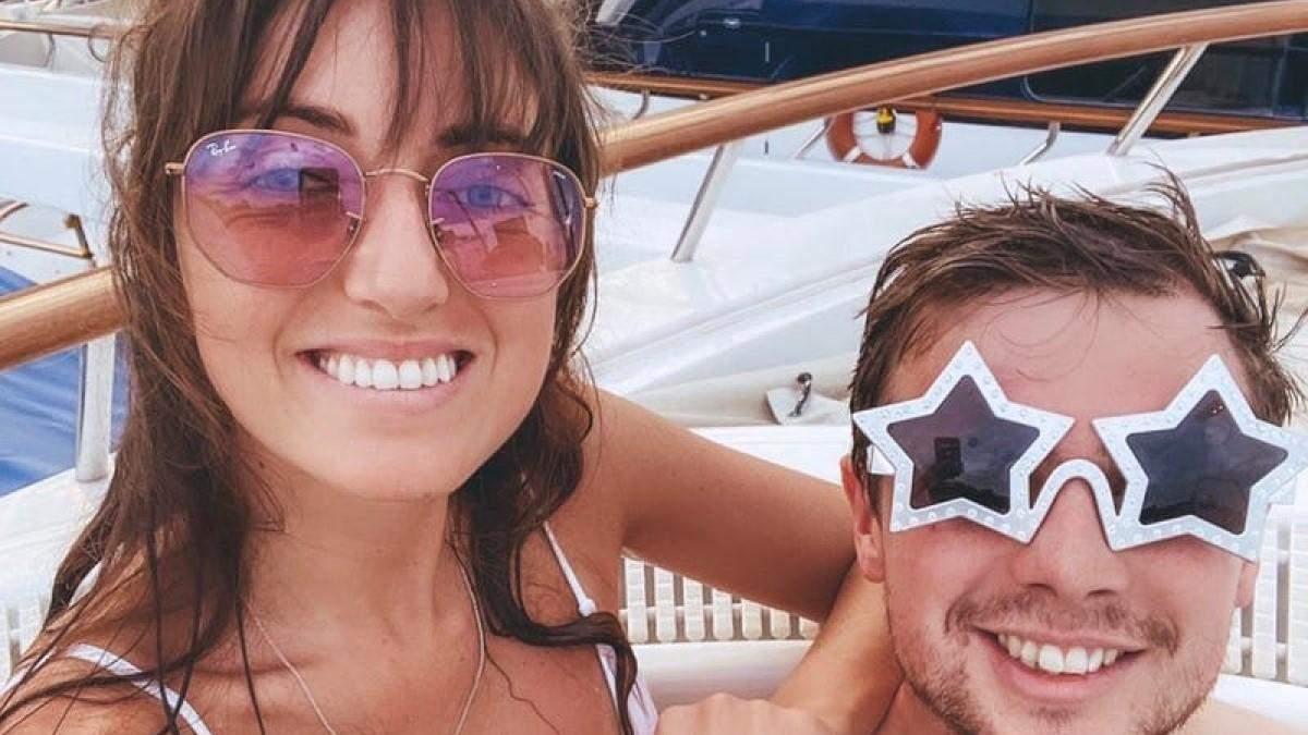 Пара изолировалась на карантин на яхте