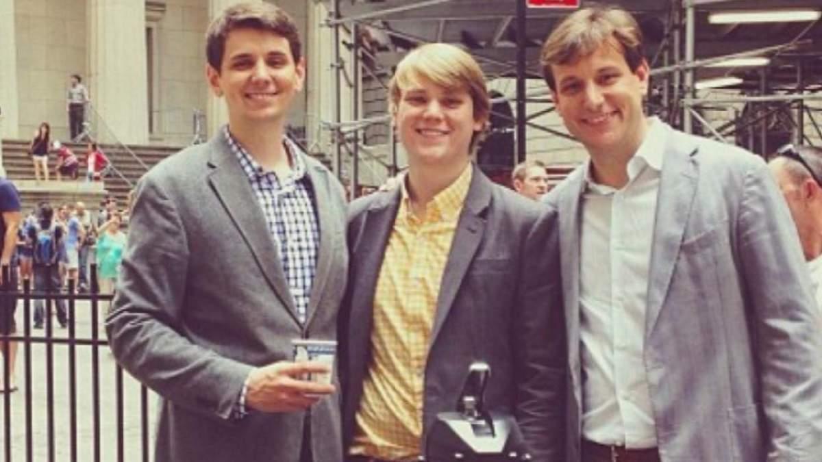 Трое братьев открыли успешный бизнес на доставке кофе