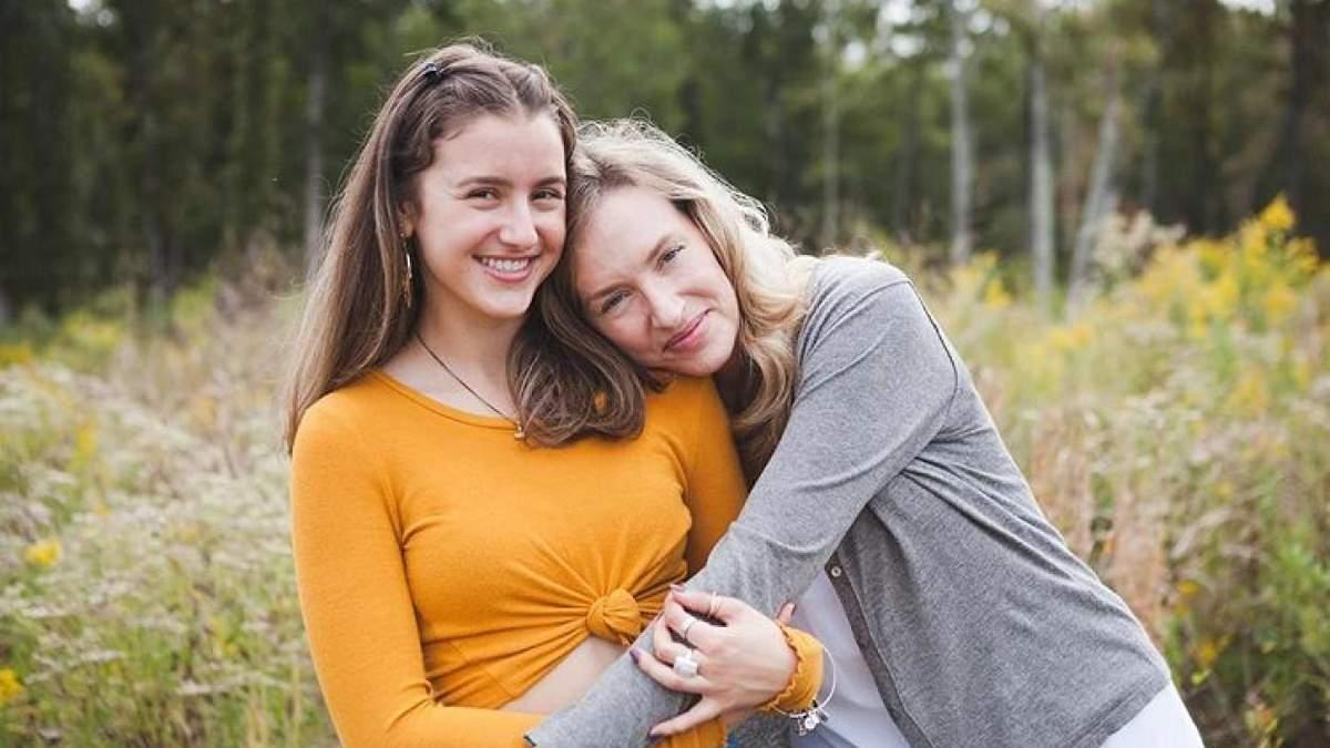 Донька-підліток зізналася мамі про свою гомосексуальну орієнтацію