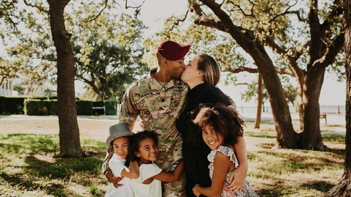 Тато зробив сюрприз дітям, повернувшись з армії
