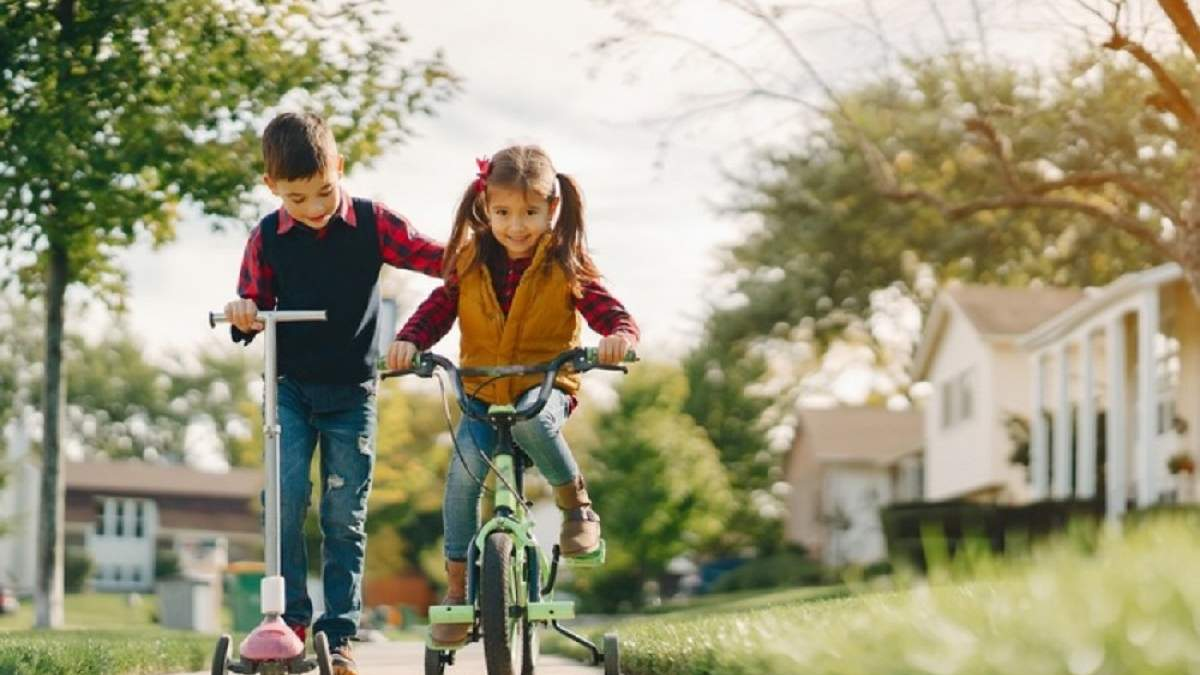 В Кривом Роге волонтеры собирают велосипеды для нуждающихся детей: трогательная инициатива