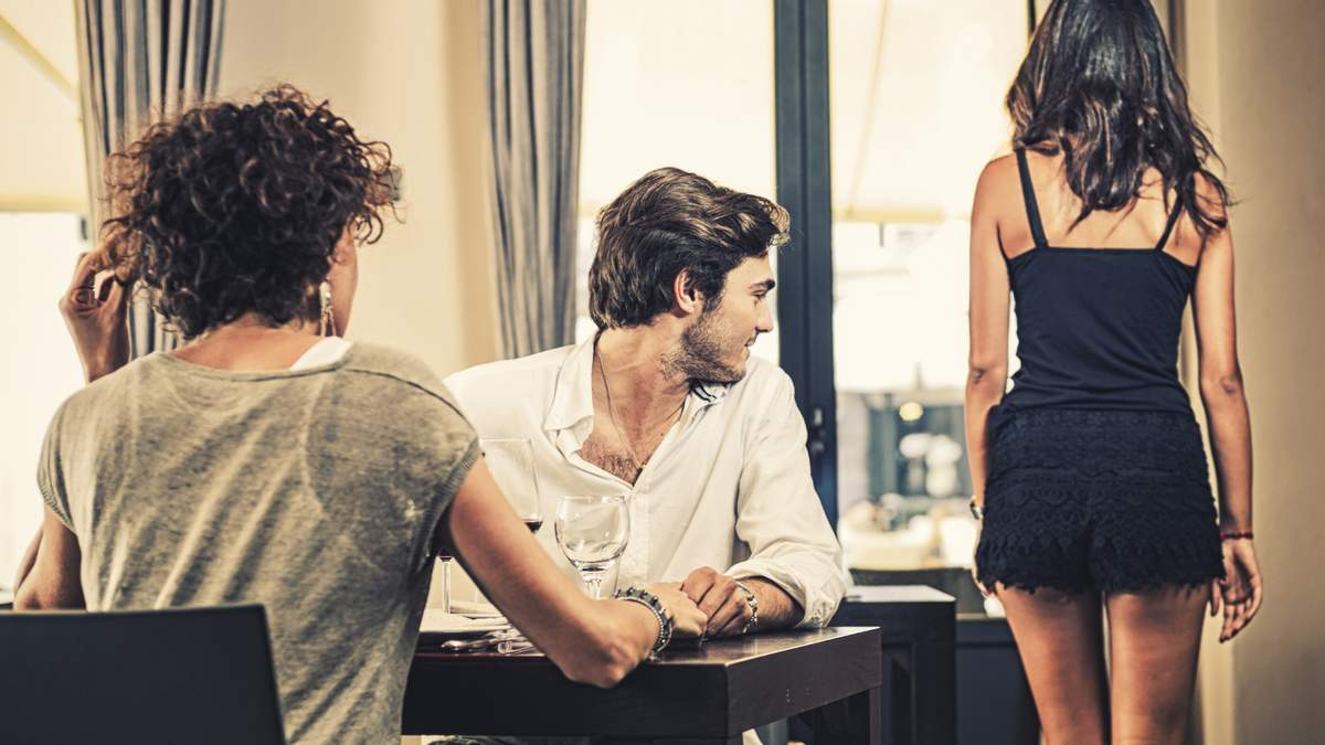 Що люди розуміють під поняттям подружньої зради