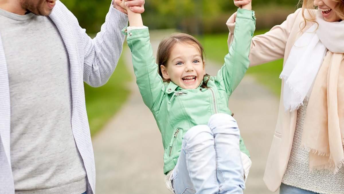 Дитина в новій сім'ї: що повинні зробити батьки після всиновлення