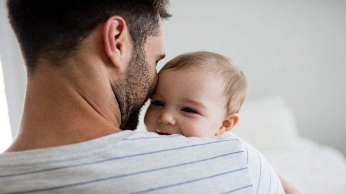 Депресія у чоловіків: як впливає догляд за дитиною