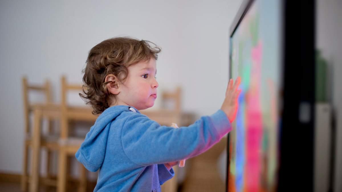 Дети и мультфильмы: что и в каком возрасте можно показывать