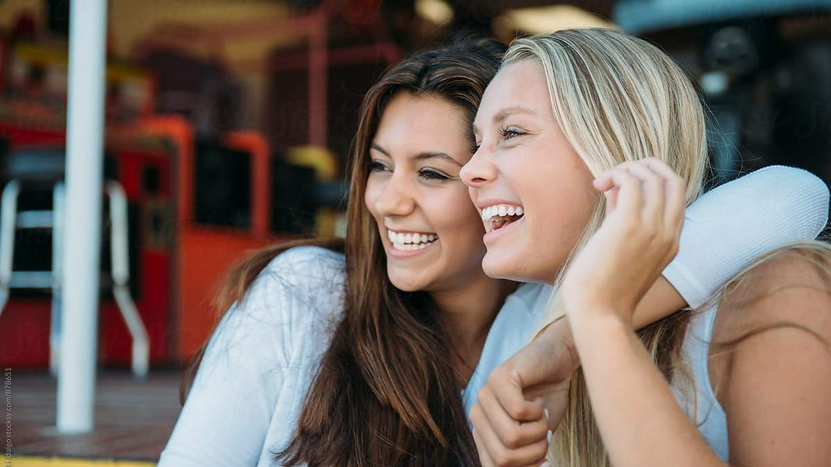 Поради подруг в стосунках: як можуть зашкодити