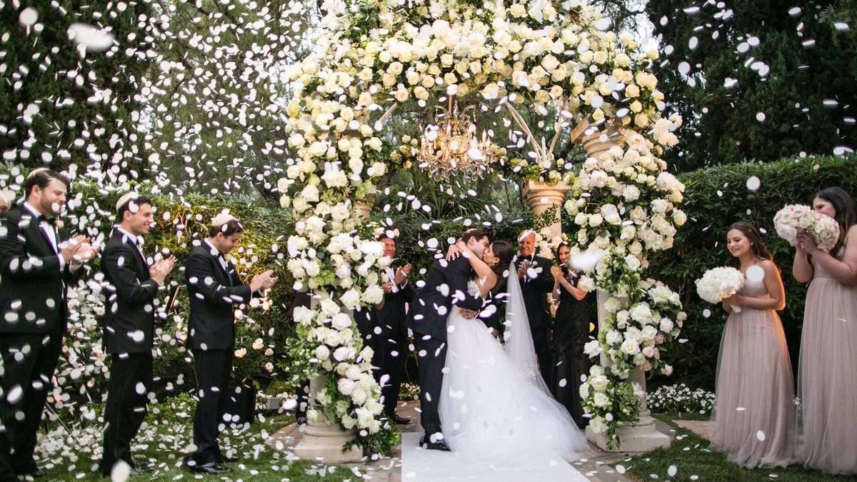 Детские истерики, невежливый гость и плохая погода: как исправить внезапные проблемы на свадьбе