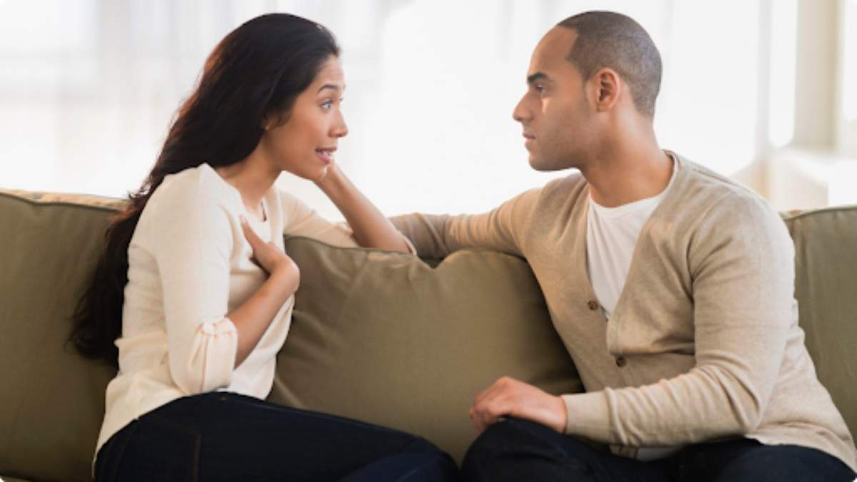 Які фрази краще не говорити чоловікові: поради для міцних стосунків