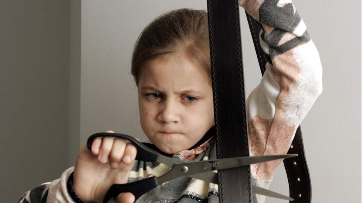 Батьківське виховання чи генетика: як з'являється дитяча жорстокість