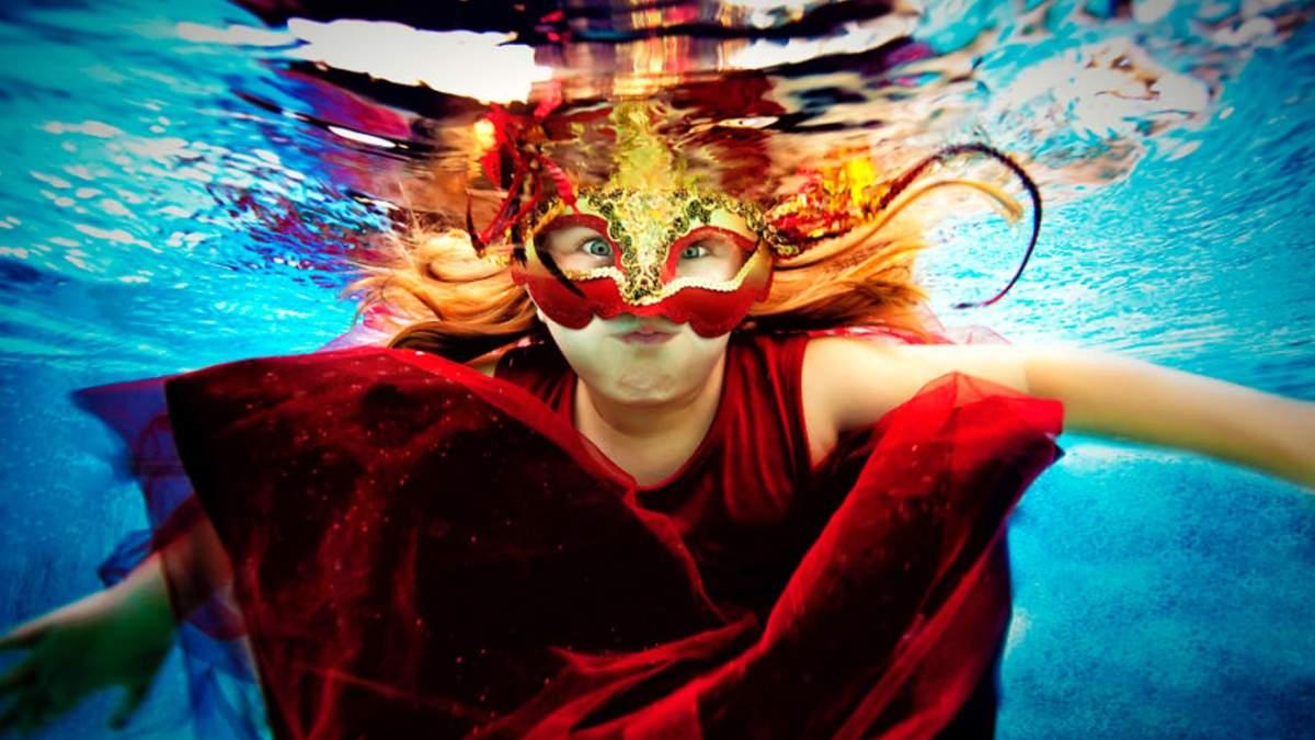 Дитяча фотосесія під водою: що хотів передати фотограф Адам Опріс