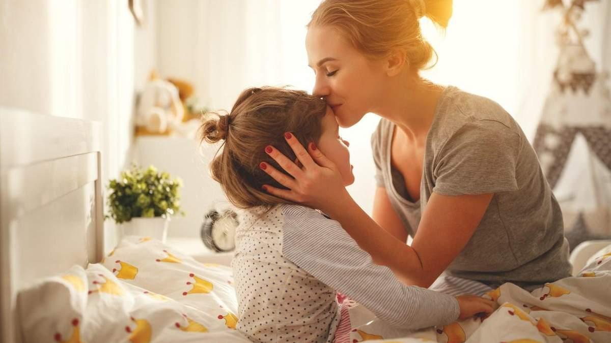 Що донька має почути від матері: 10 фраз, які допоможуть їй у житті