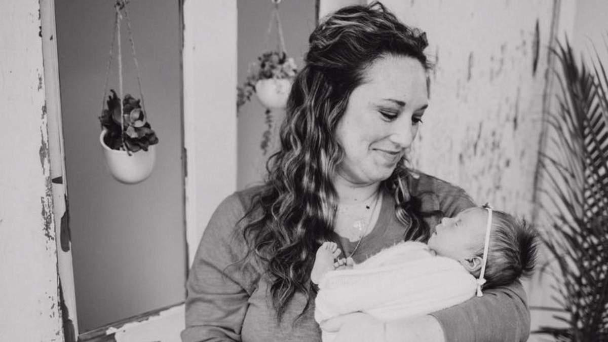 Фото новорожденной девочки, на котором так и не появился ее брат-близнец