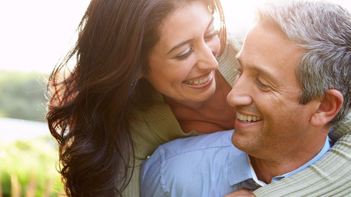 Стосунки з розлученим чоловіком: які 6 правил варто пам'ятати