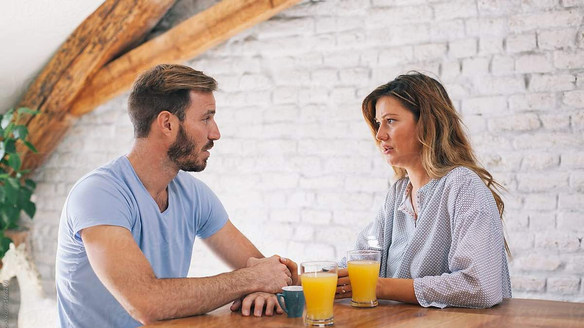 Как реагировать на критику партнера: советы стратегии LATTE