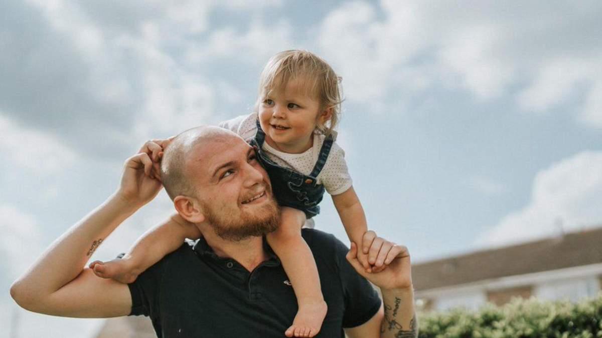 11-месячная София-Грейс 4 месяца жила с батарейкой в горле
