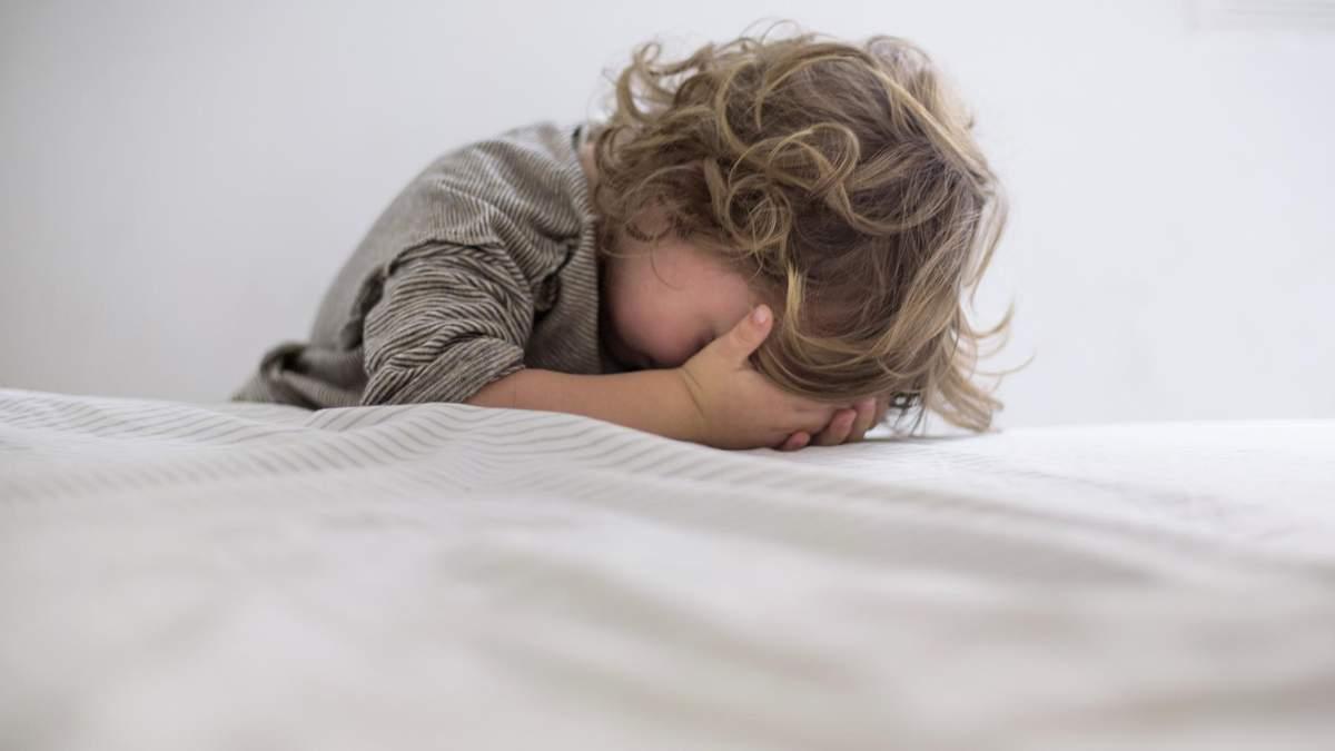 Какие фразы родителей не остановят детскую истерику: альтернативы