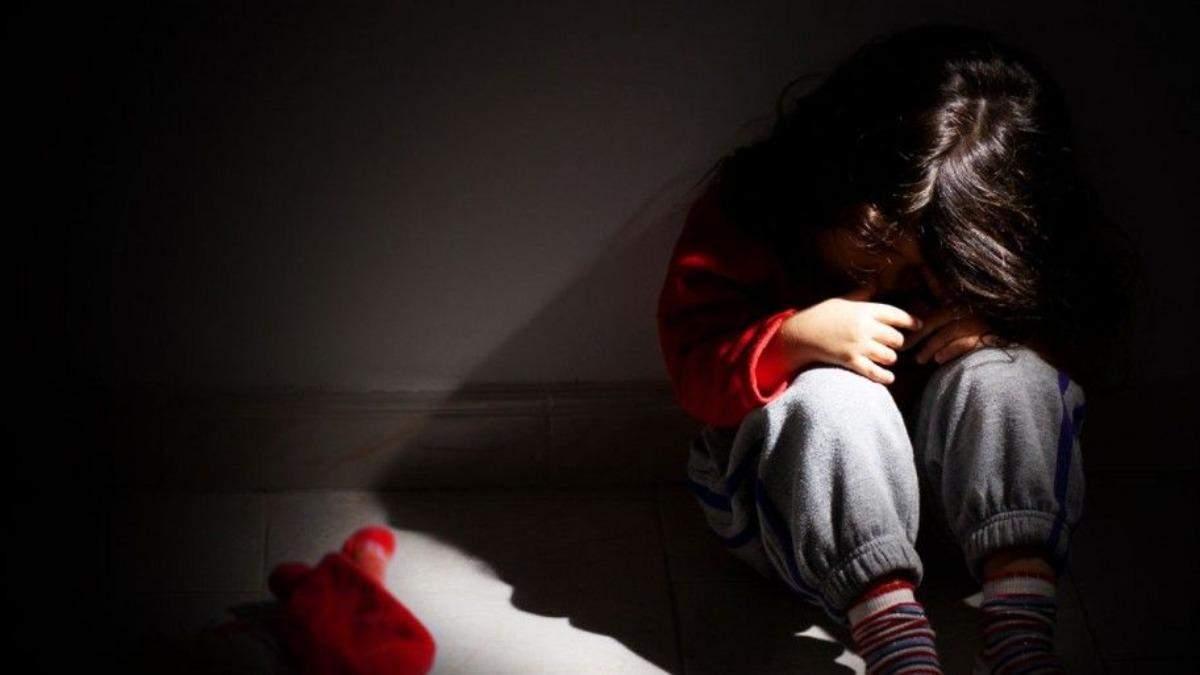 Серед сміття та тарганів: вилучення дітей в Харкові
