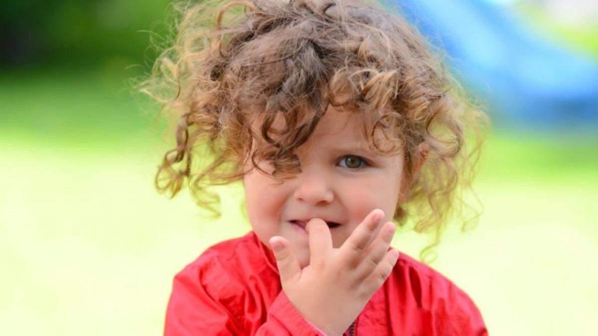 Как отучить ребенка грызть ногти: простые способы