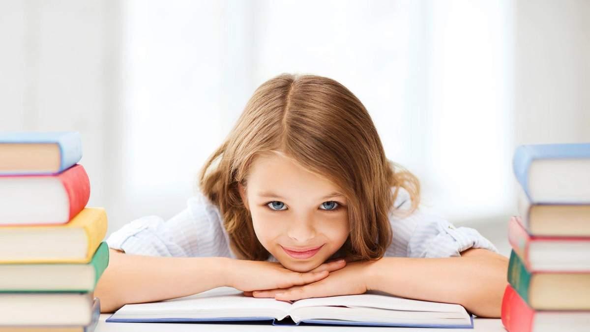 Як батькам перестати робити уроки з дитиною: правила самостійності
