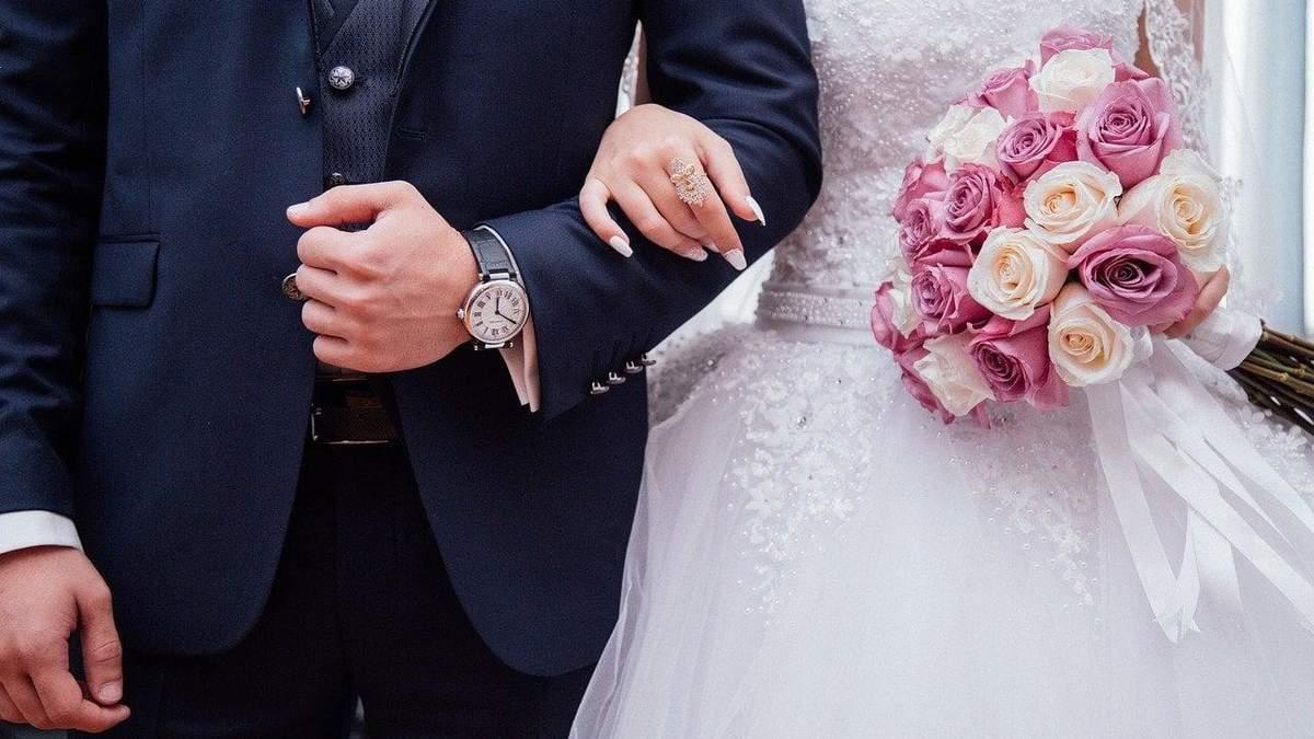Девушка на собственной свадьбе встретила бывшего парня: видео