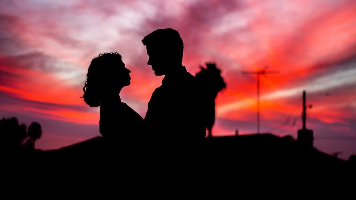 Популярні стереотипи щодо стосунків: 5 ситуацій, які тільки в кіно