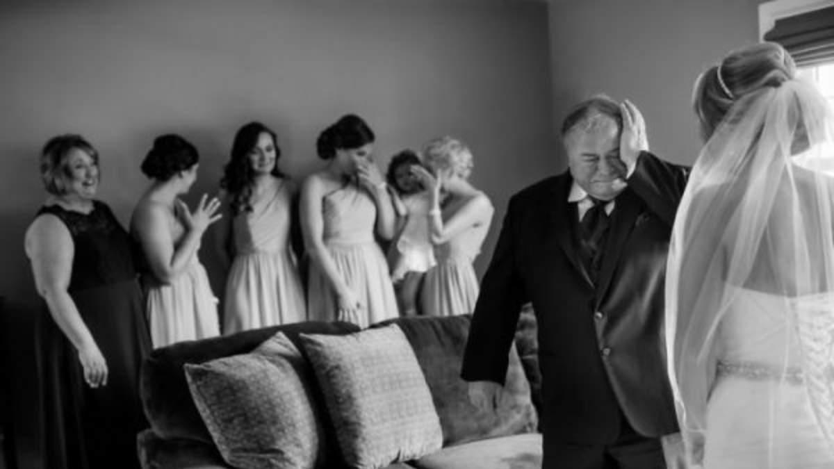 Як батько віддає доньку заміж: зворушливі фото з весіль