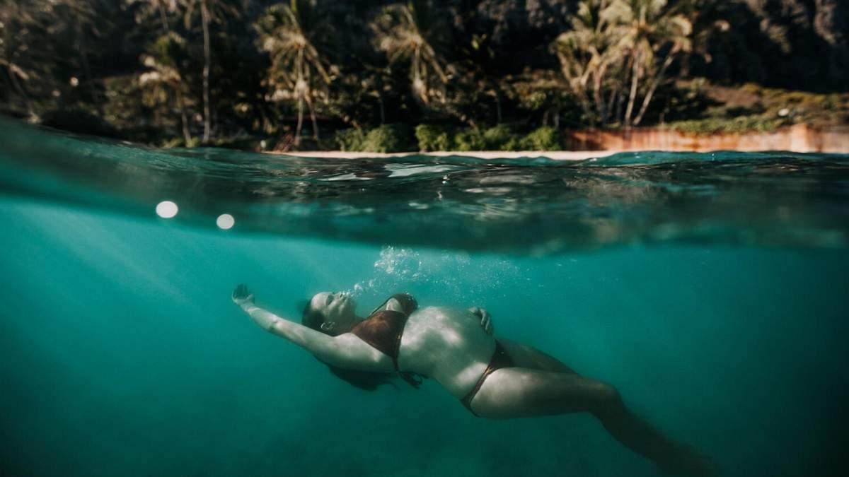 София Коста: фотограф делает кадры беременных под водой океана