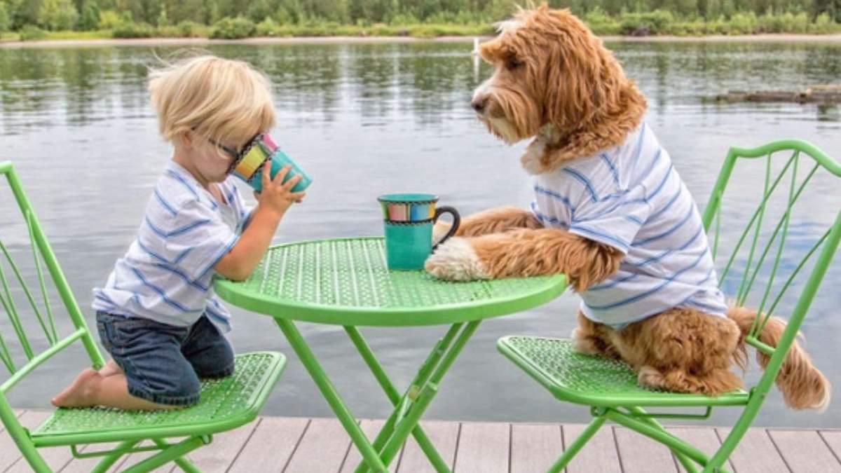 Дружба між прийомним хлопчиком та його собакою: зворушливі фото