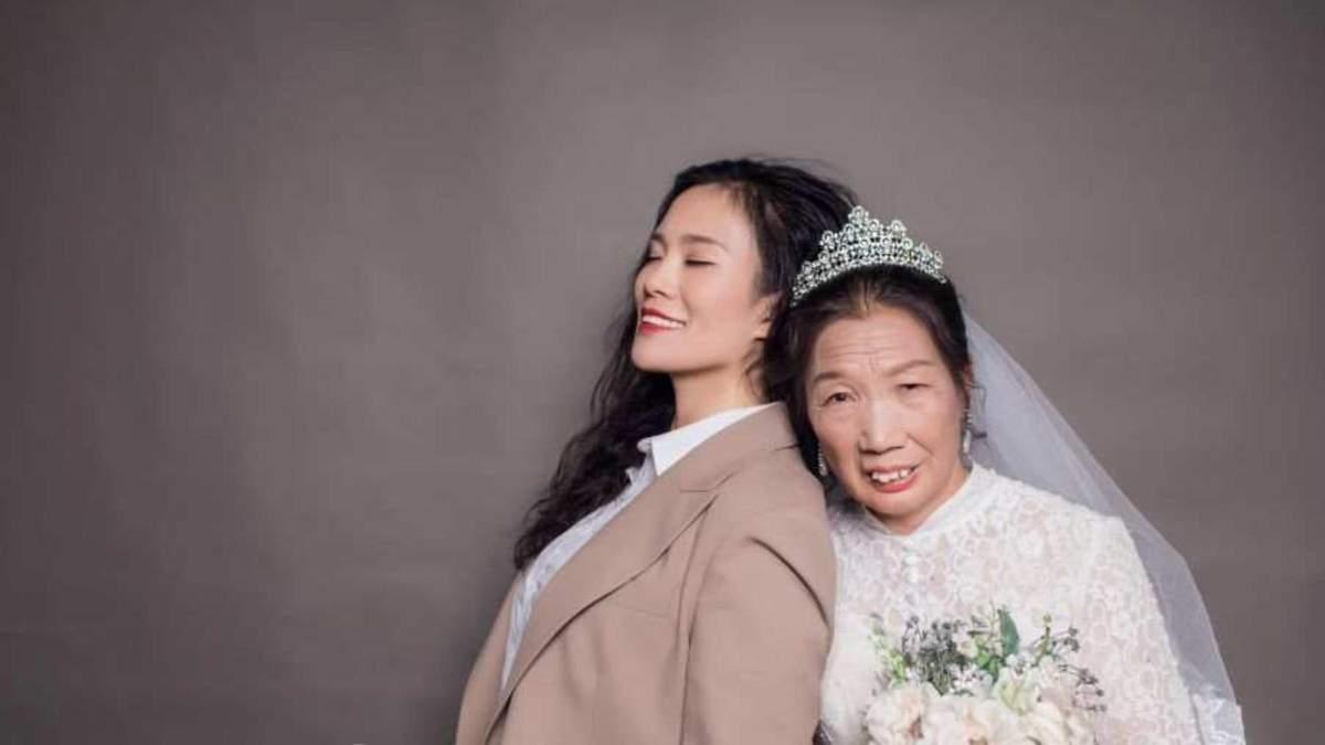 Дочь подарила 63-летней матери первую свадебную фотосессию