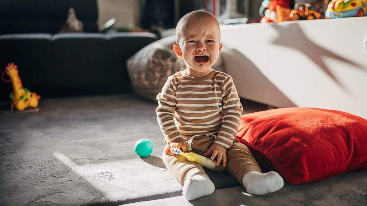 Дитині набридли іграшки: альтернативні методи, щоб розважити малюка