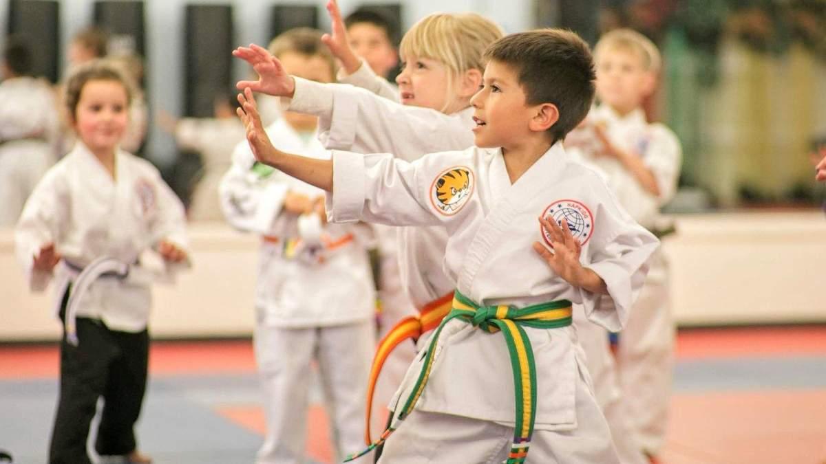 Побуждают к насилию или к самозащите: боевые искусства для детей