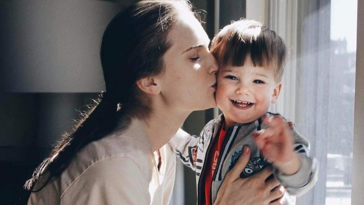 Як прищепити дитині правильні цінності: 5 порад від супермоделі Костромічової