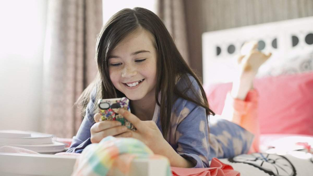 Батькам варто обмежувати сидіння дітей у телефонах: психолог