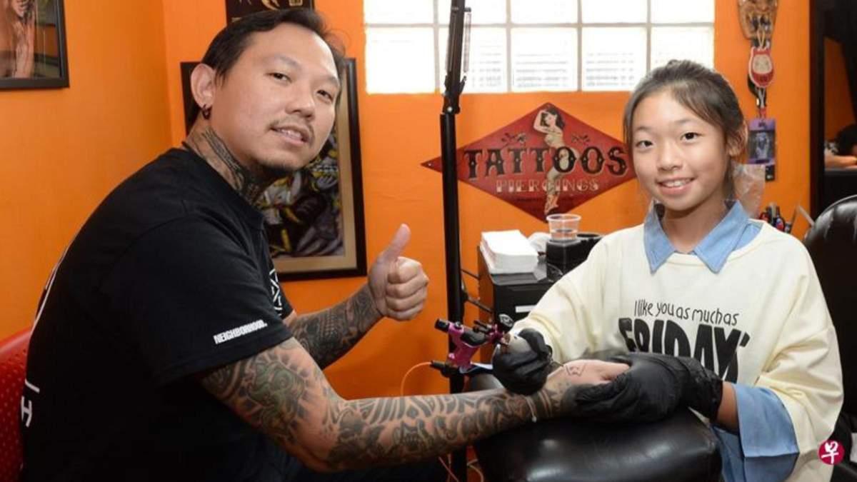Девочка в 13 лет стала тату-мастером: как отец помог воплотить мечту