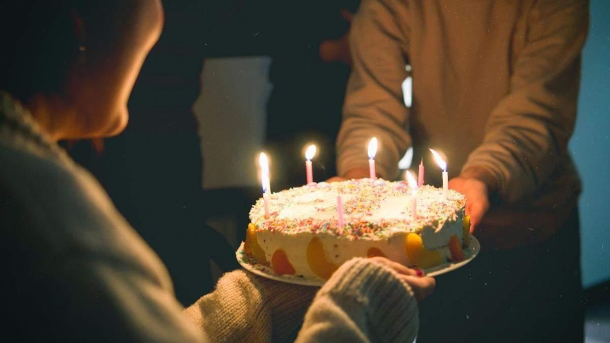Мама купила незнайомцям торт в пам'ять про загиблого сина