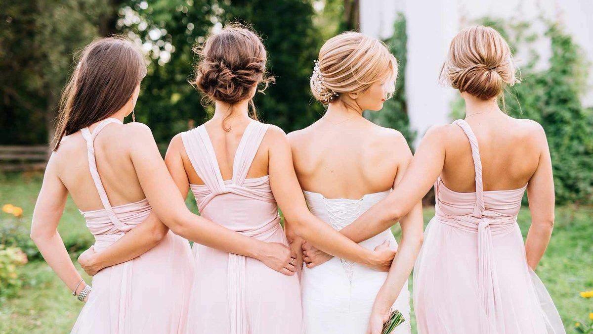 Подстричься и купить платье: что странное просили невесты у подружек