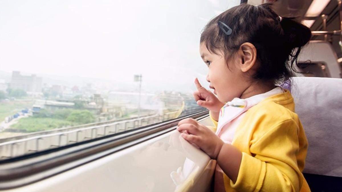 Как научить ребенка правилам поведения в общественном транспорте