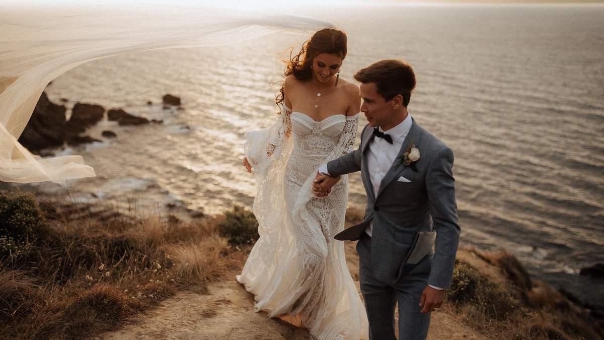 Плакати за місяць до весілля та обмазатися куркумою: весільні традиції