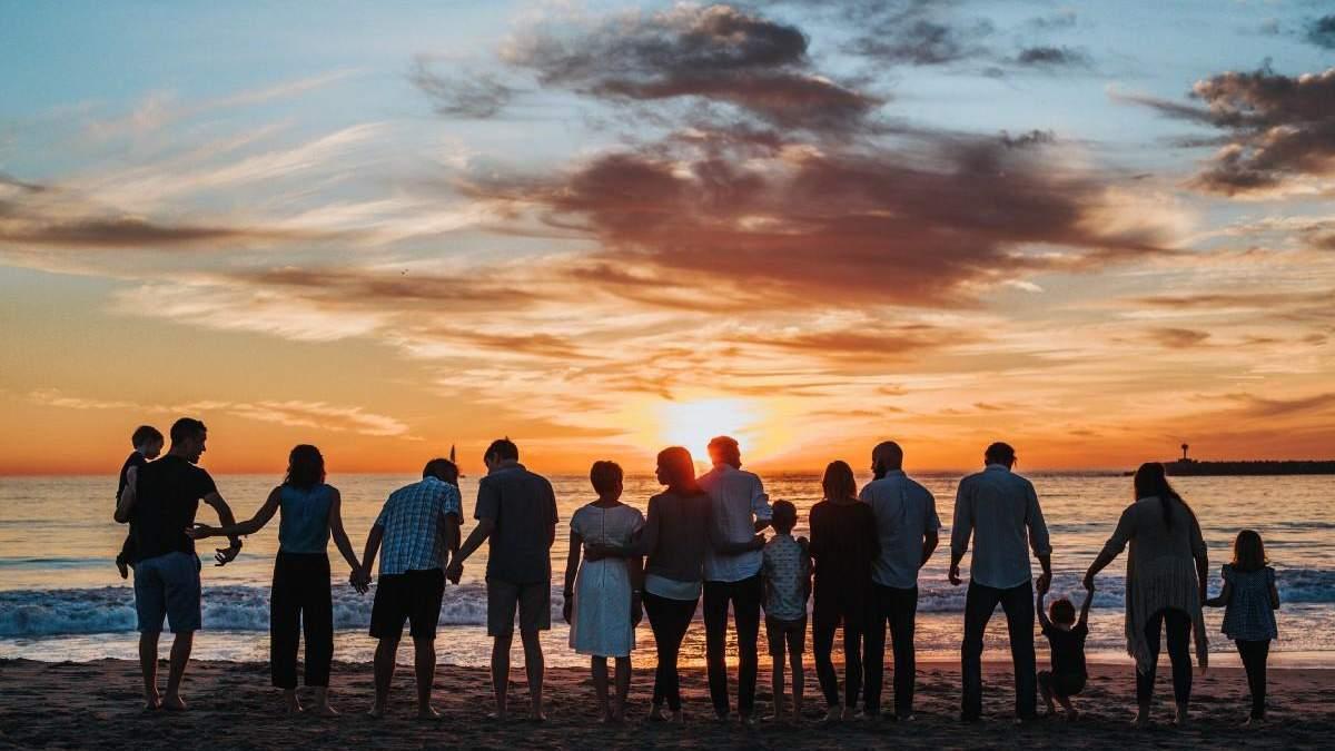 Издевательства и дерзкое поведение: как расти с 13 братьями, сестрами