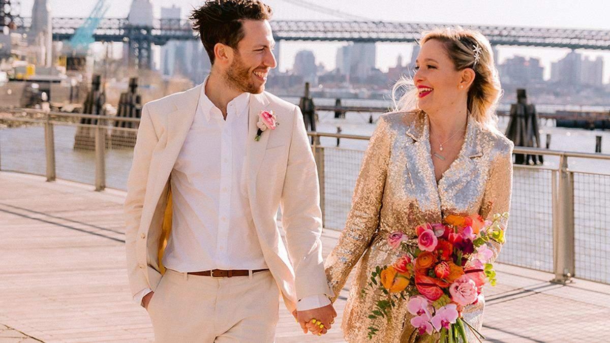 Женщина была подружкой невесты на 125 свадьбах: где была ее церемония