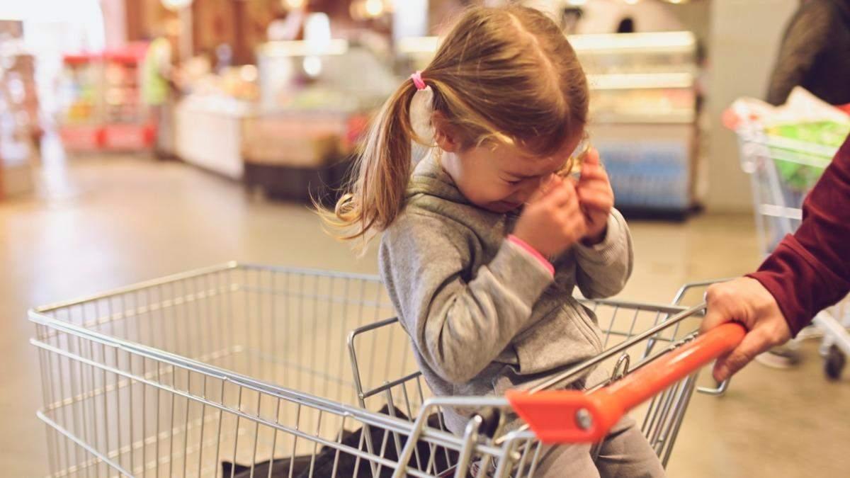 Как предотвратить детскую истерике в общественном месте: действия