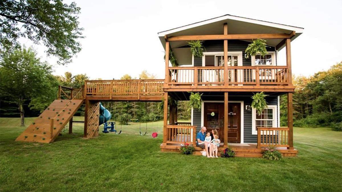 Батько самостійно побудував ігровий будинок для доньок: фото вражаючої споруди - Сім'я